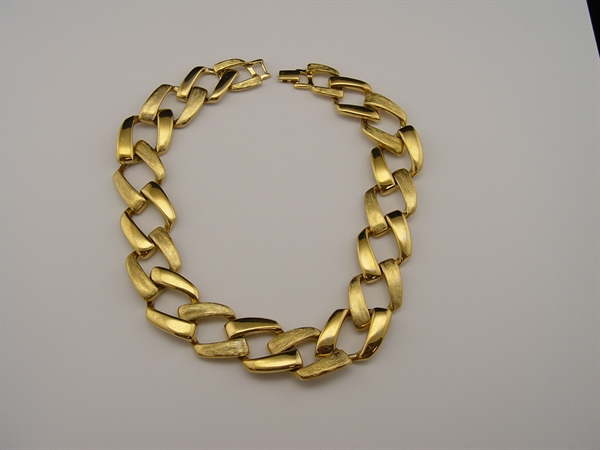 wrinkles antiques vintage gold tone large chain