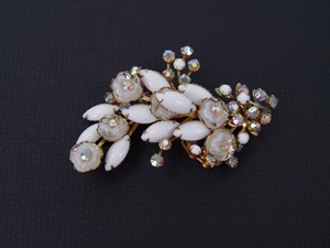 Picture of 1950s pin in White Stones